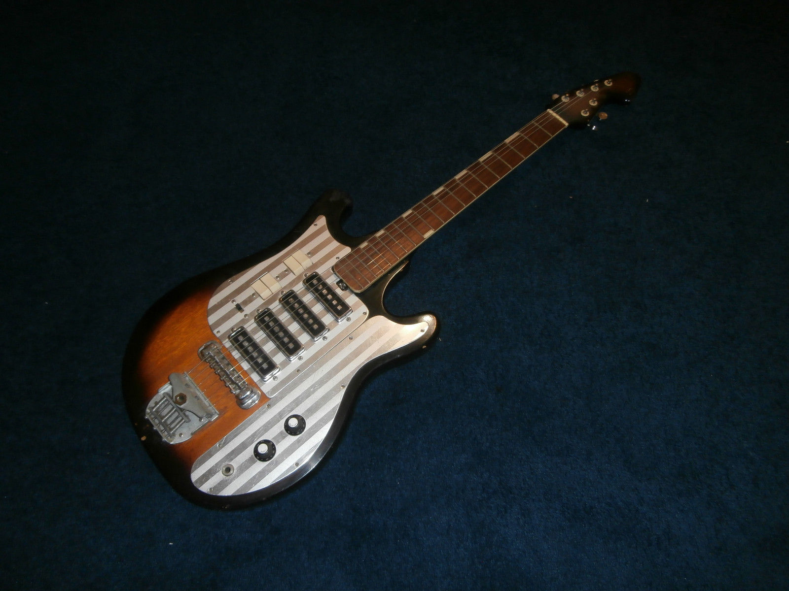 Vintage 1960's Silvertone WG-4L Electric Guitar